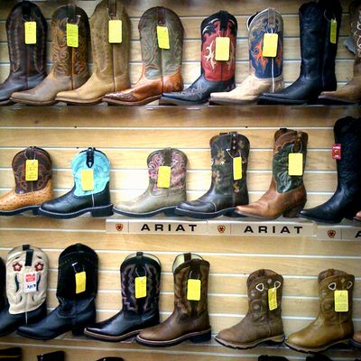 Boots color